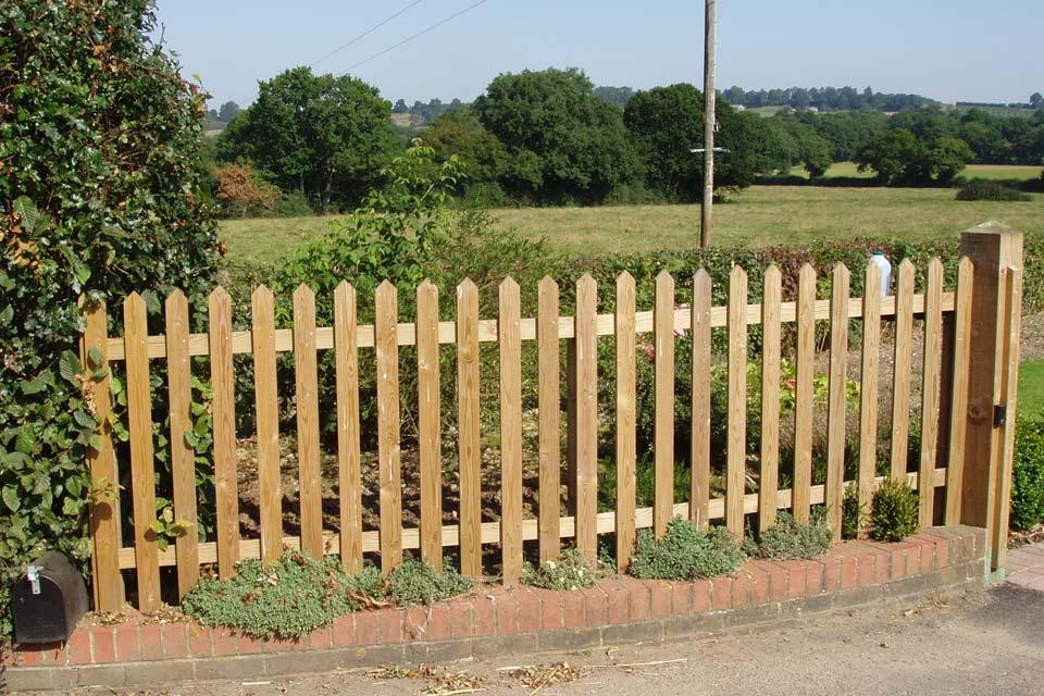 Garden Fencing R James Fencing